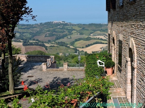 27-2 Paesaggio da Offagna_GF.jpg