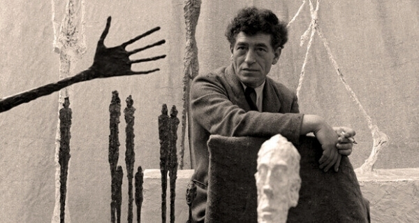 30-Henri-Cartier-Bresson-1955.jpg