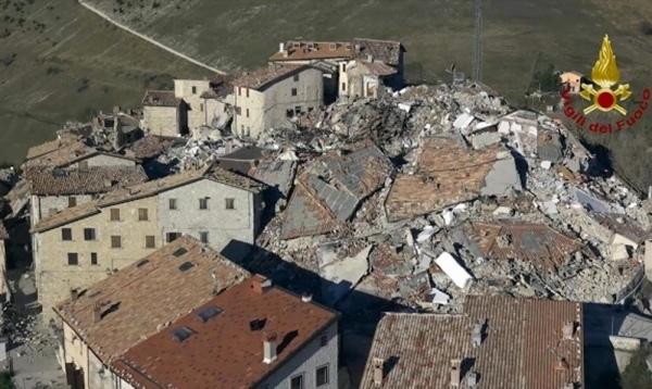 35-terremoto-castelluccio.jpg